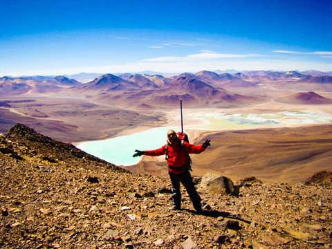 Ascenso Al Volcan Licancabur Bolivia desde Atacama