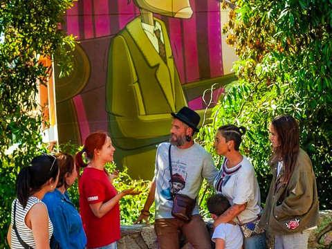 Neighborhood Tour With Mega-Murals