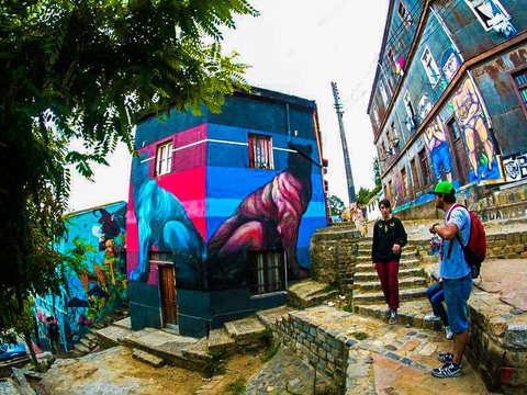 Valpoart Route: Knowing Street Art Porteño