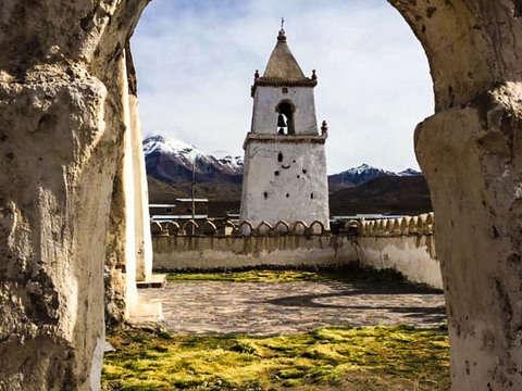 """Maravillas del Altiplano """"P. Nacional Isluga y Laguna Roja"""""""
