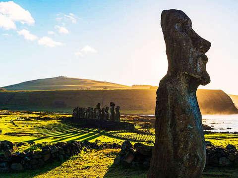Isla de Pascua: Ahu Akivi y Orongo