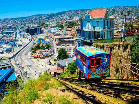 Valparaíso in Van and Elevator